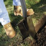Fiskars Shovel Review: Must Read Before You Buy